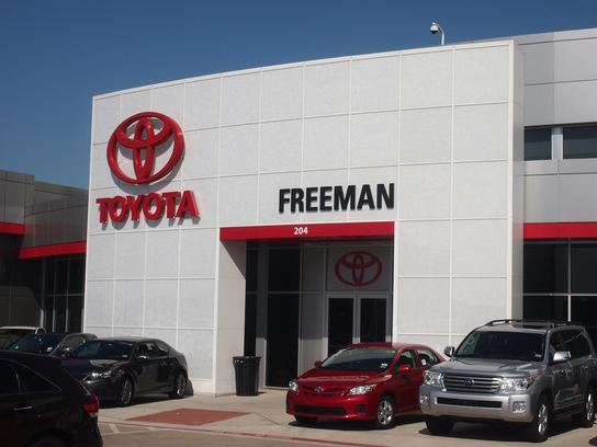 Freeman Toyota car dealership in Hurst, TX 76053 7327