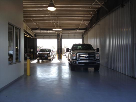 Ford Dealership Baton Rouge >> Robinson Brothers Ford Lincoln : Baton Rouge, LA 70816 Car ...