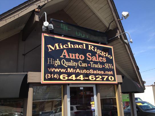 michael riggio auto sales car dealership in st louis mo 63139 kelley blue book. Black Bedroom Furniture Sets. Home Design Ideas