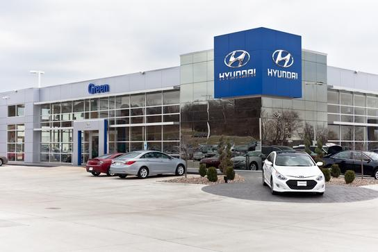 green hyundai car dealership in moline il 61265 kelley blue book. Black Bedroom Furniture Sets. Home Design Ideas