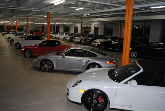 Ultimo Motors Car Dealership In Warrenville Il 60555