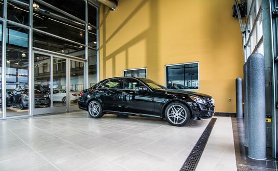 Mercedes benz of rochester rochester mn 55904 car for Mercedes benz rochester mn