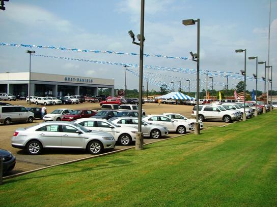 Gray Daniels Ford Lincoln Dealership New And Used Car