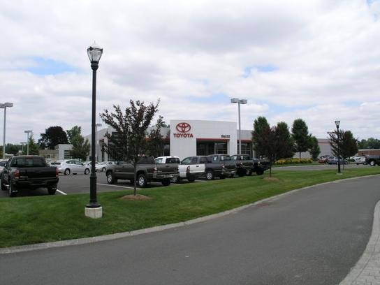 balise toyota car dealership in west springfield ma 01089 kelley blue book. Black Bedroom Furniture Sets. Home Design Ideas