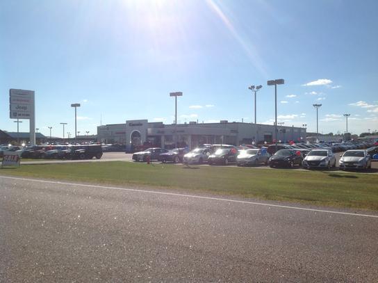 Corwin Dodge Fargo >> Corwin Chrysler Dodge : Fargo, ND 58103 Car Dealership, and Auto Financing - Autotrader