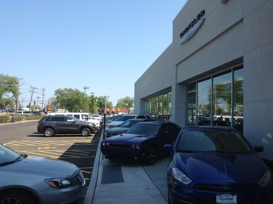 Napletons Arlington Heights Chrysler Dodge Jeep RAM 1