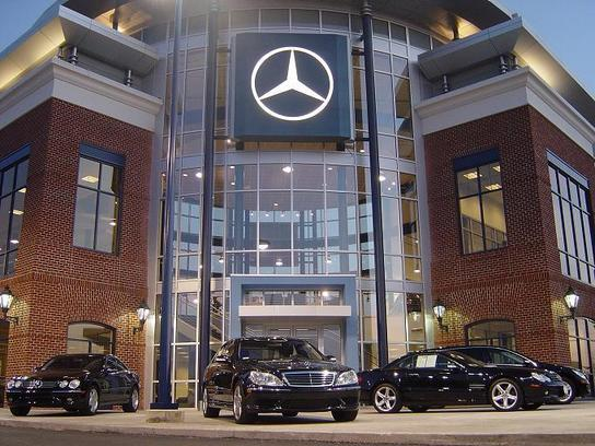 Mercedes benz of easton car dealership in columbus oh for Mercedes benz columbus ohio