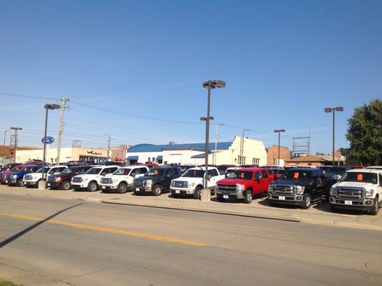 Hullman S Ford Falls City Ne 68355 Car Dealership And