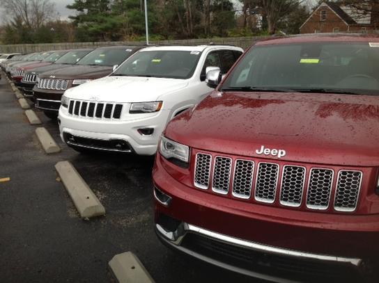 Jeep Dealership Louisville Ky >> Oxmoor Chrysler Dodge Jeep RAM : Louisville, KY 40207 Car Dealership, and Auto Financing ...