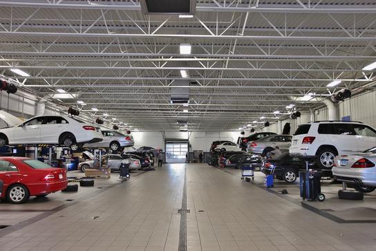 New Country Motor Car Hartford