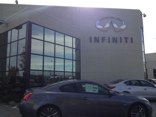 INFINITI Volkswagen of Fairfield 3