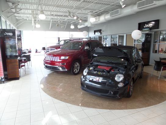 Ray brandt dodge chrysler jeep harvey la 70058 car for Southern motors springfield chrysler dodge jeep