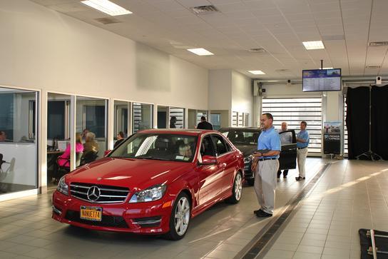 Mercedes benz of nanuet nanuet ny 10954 car dealership for Mercedes benz nanuet service