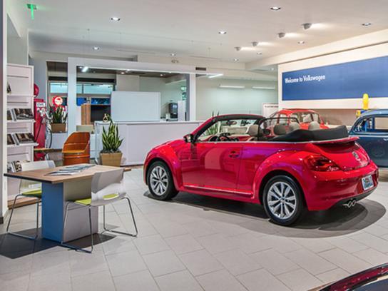 Audi naples new audi dealership in naples fl 34104 for Black horse motors naples fl