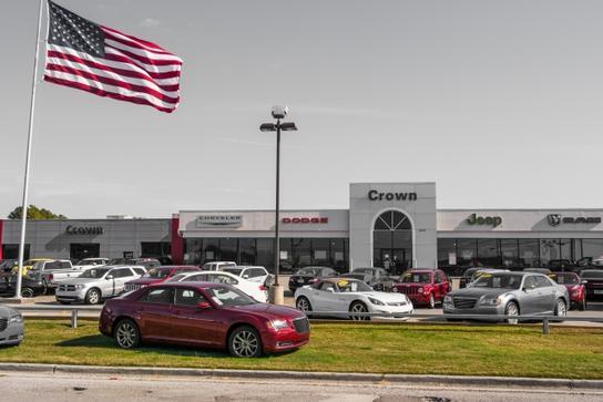 crown chrysler jeep dodge ram chattanooga car dealership in chattanooga tn 37421 kelley blue book. Black Bedroom Furniture Sets. Home Design Ideas