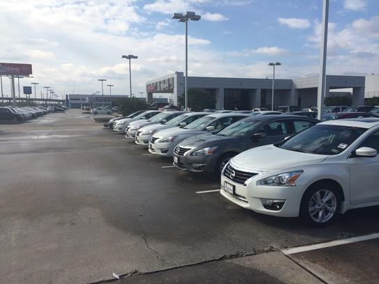 Used Cars For Sale Houston Texas Robbins Nissan: Robbins Nissan.Robbins Nissan January 2017 Newsletter
