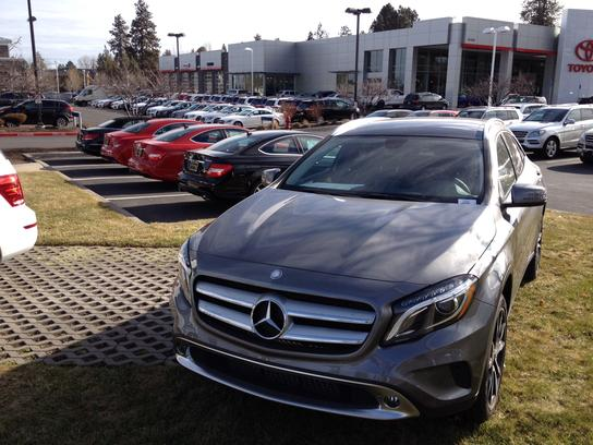 Mercedes benz of bend car dealership in bend or 97702 for Mercedes benz south bend in