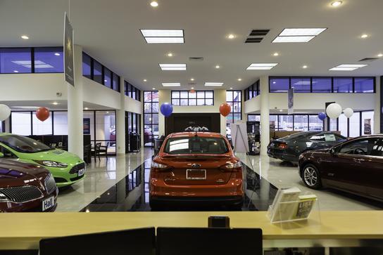 hall ford lincoln newport news newport news va 23608 car dealership and auto financing. Black Bedroom Furniture Sets. Home Design Ideas