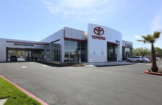 Hanlees Davis Toyota >> Hanlees Davis Toyota Davis Ca 95616 Car Dealership And Auto