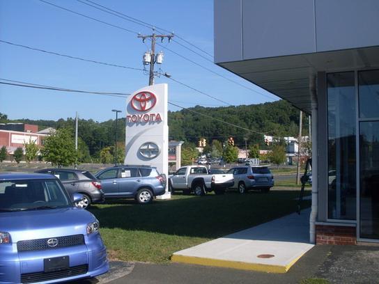 Greentree Toyota Scion  Danbury CT 06811 Car Dealership and