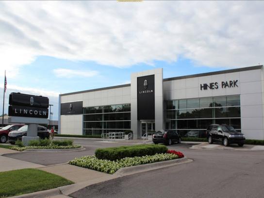 hines park lincoln car dealership in plymouth mi 48170 kelley blue book. Black Bedroom Furniture Sets. Home Design Ideas