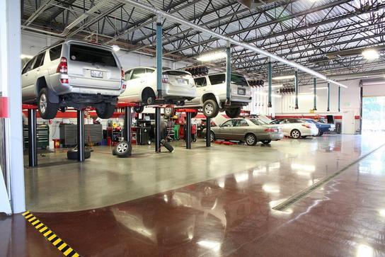 Toyota Lake City : Seattle, WA 98125-4430 Car Dealership ...