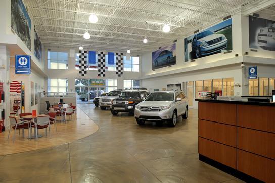 Autonation Toyota Thornton Road Car Dealership In Lithia