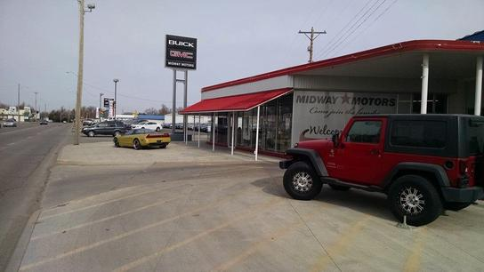 Midway motors newton newton ks 67114 car dealership for Midway motors used car supercenter mcpherson ks