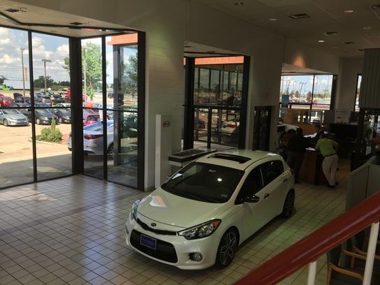 Clay Cooley Kia : IRVING, TX 75062-4823 Car Dealership ...
