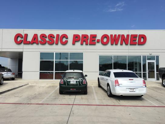 classic of denton pre owned denton tx 76210 car dealership and auto financing autotrader. Black Bedroom Furniture Sets. Home Design Ideas