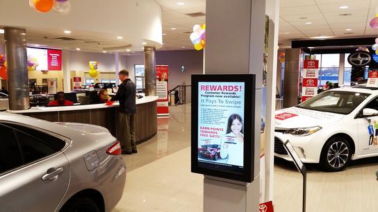 Newark Toyota World : NEWARK, DE 19711-5402 Car Dealership ...