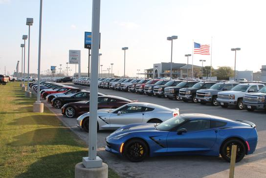Car Dealerships In Longview Tx >> Peters Chevrolet Chrysler Jeep Dodge Ram : Longview, TX ...