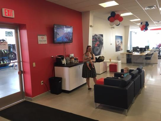 Vision Nissan of Canandaigua 1