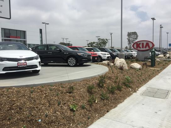valley kia fontana ca 92336 car dealership and auto financing autotrader. Black Bedroom Furniture Sets. Home Design Ideas