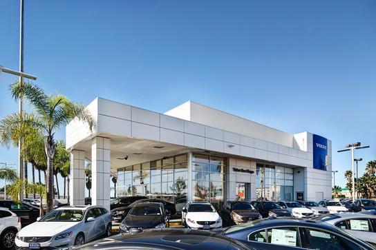 volvo cars san diego car dealership in san diego ca 92111 kelley blue book. Black Bedroom Furniture Sets. Home Design Ideas