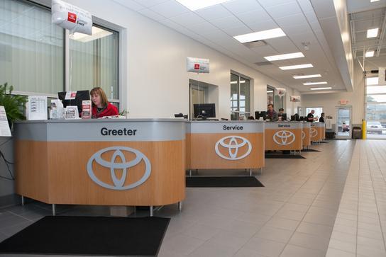 Toyota Dealership La Crosse Wi >> Toyota of La Crosse : LaCrosse, WI 54601 Car Dealership, and Auto Financing - Autotrader