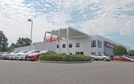 hall nissan chesapeake chesapeake va 23321 car dealership and auto financing autotrader. Black Bedroom Furniture Sets. Home Design Ideas
