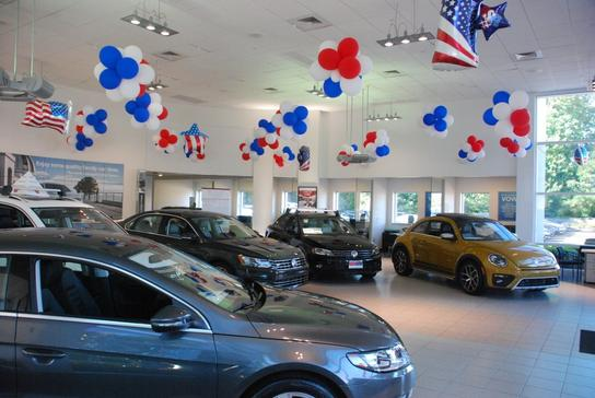 dch volkswagen of freehold freehold nj 07728 car dealership and auto financing autotrader. Black Bedroom Furniture Sets. Home Design Ideas