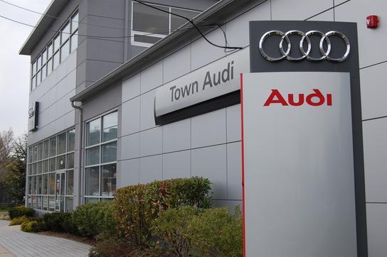 town audi englewood nj 07631 car dealership and auto financing autotrader. Black Bedroom Furniture Sets. Home Design Ideas
