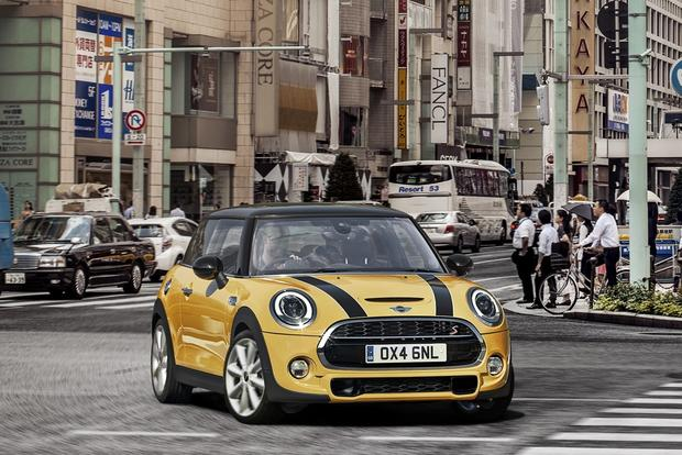 2015 MINI Cooper: LA Auto Show featured image large thumb0