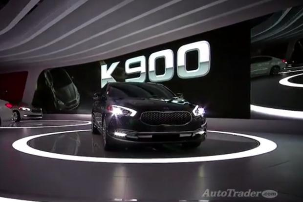2015 Kia K900: LA Auto Show - Video featured image large thumb1
