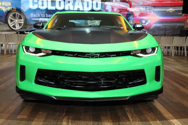 2017 Chevrolet Camaro 1LE: Chicago Auto Show featured image large thumb0