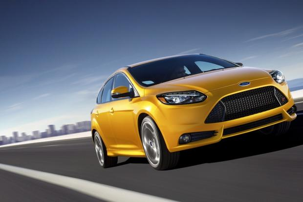 Buying a Car: Is Rear-Wheel Drive Necessary for Performance? featured image large thumb0