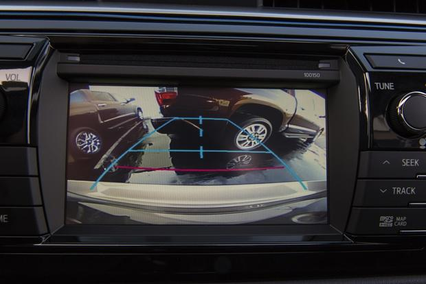 New Backup Camera Rule: Cameras Will Be Mandatory by 2018 featured image large thumb0