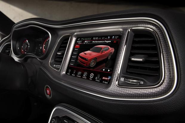 Why We Like Chrysler's Uconnect Infotainment System featured image large thumb0