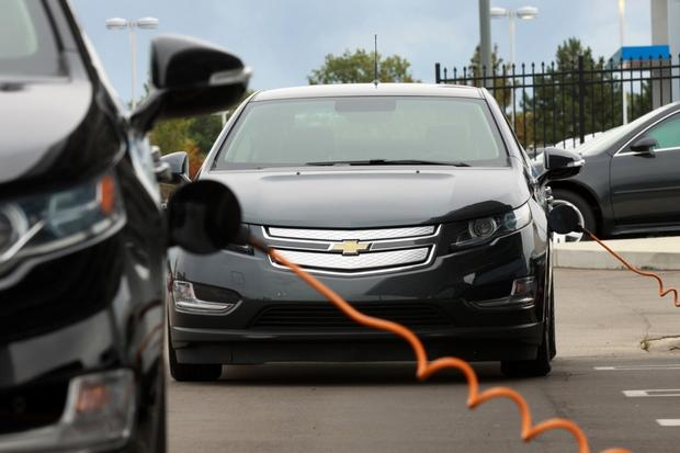 Buying a Used Car: Is a Used Hybrid a Good Deal? featured image large thumb0