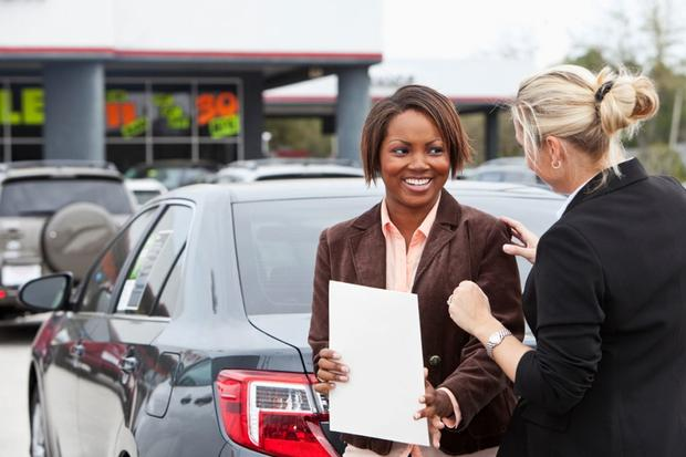 Buying a Car: Things to Avoid When Negotiating a Price featured image large thumb0