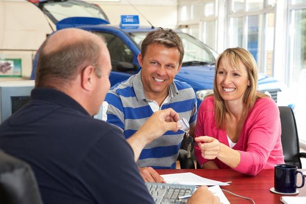 Financing a Car: How Can You Buy a Car After Bankruptcy? featured image large thumb0