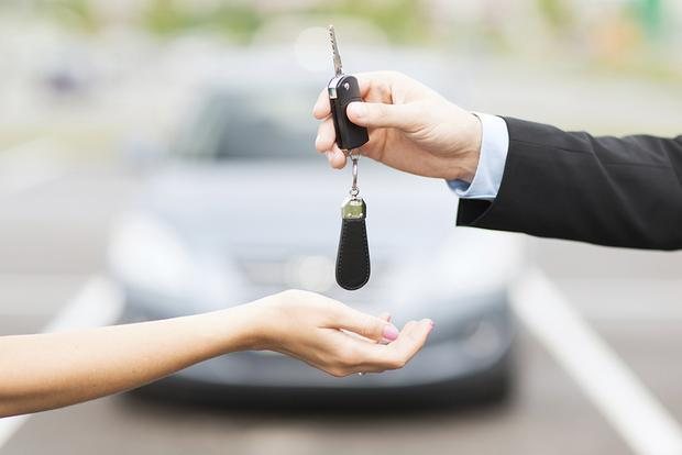 Buying a Car: Are End-of-the-Year Offers Good Deals? featured image large thumb0