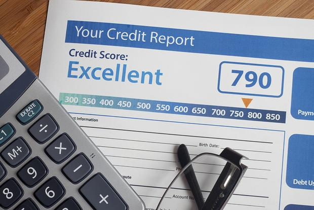 5 Ways You May Be Hurting Your Credit Score Without Knowing It featured image large thumb0